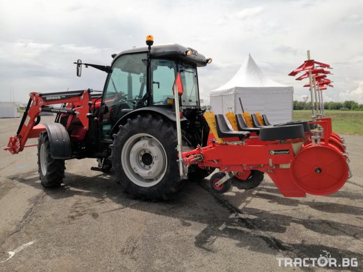 Машини за зеленчуци Разсадо-посадъчна машина Checchi&Magli, модел Trium 4 0 - Трактор БГ